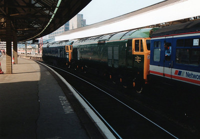 D400_50007 await departure for Chester at Waterloo.