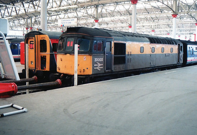 33002 alongside slammer 4Vep 3455 at Waterloo