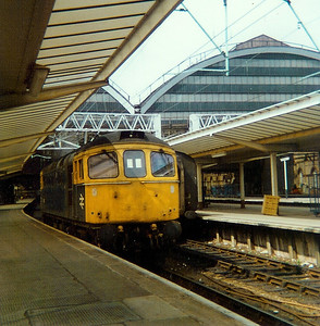 33 0XX at Manchester Piccadilly