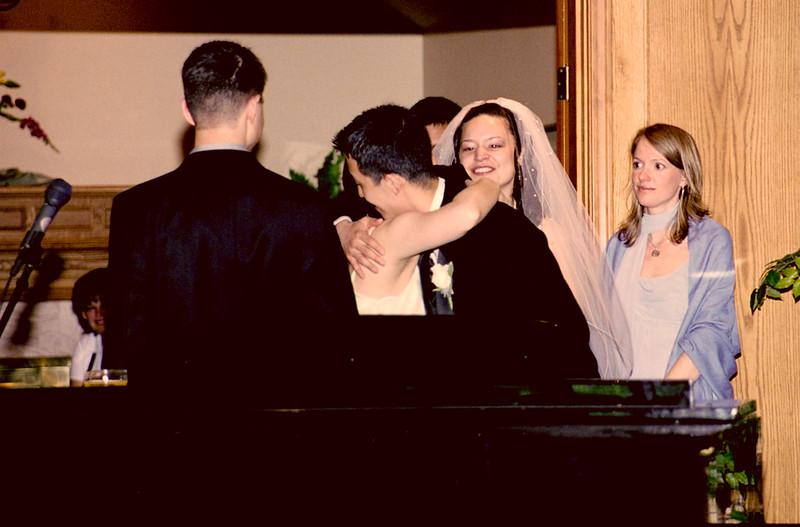 2005-05-22 Erica & Mike's wedding - e - 18