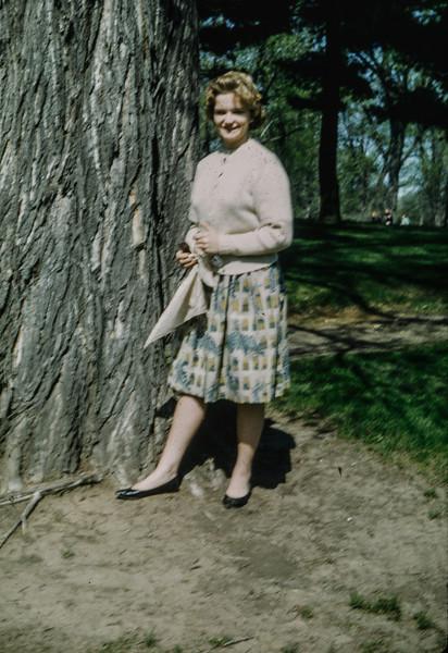 1962-08 Evelyn Baral