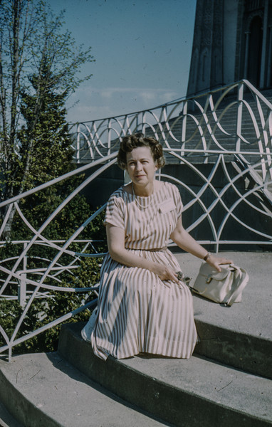 1962-05 Mary Francis Baral at the Baha'i House of Worship, Wilmette