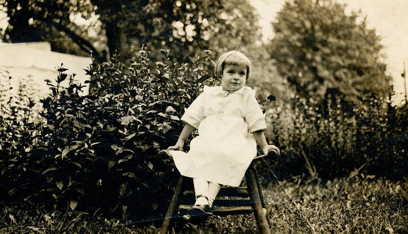 1913 (est) Mary Francis Goodrich (Baral)