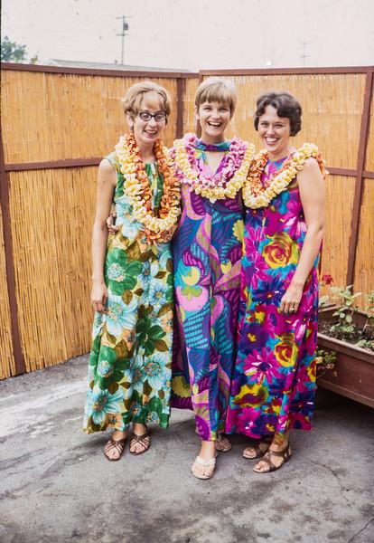 1963 Evelyn, Carol, and friend in Hawaii