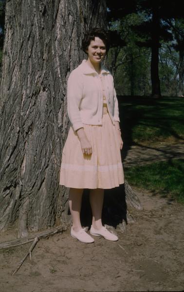 1962-08 Carol Terry