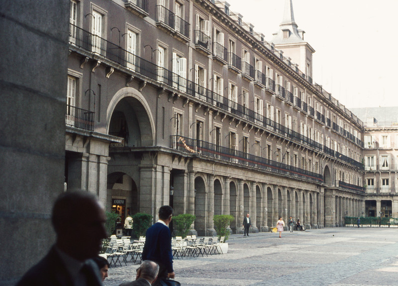 1972-09 Madrid's Plaza Mayor - 3