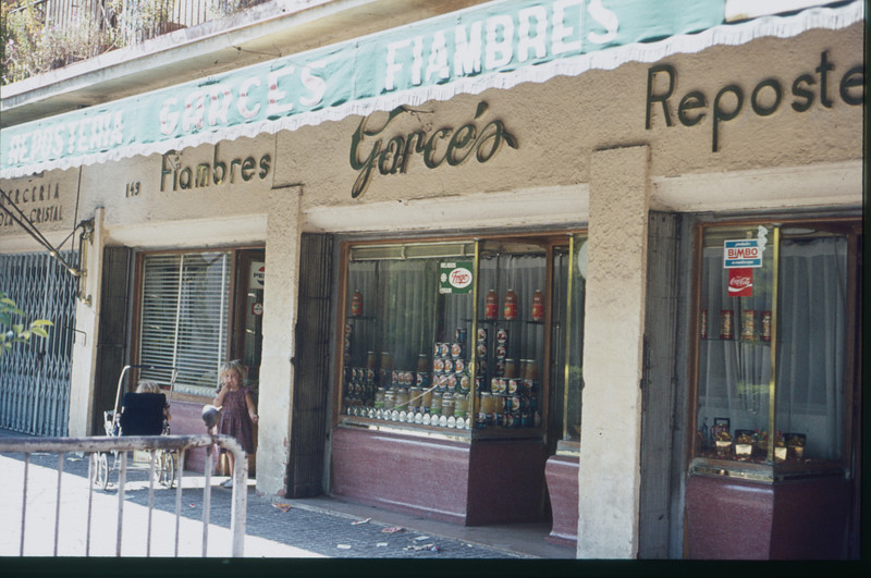 1972-09 Garcia's - the small shop near our Nervion 10 house