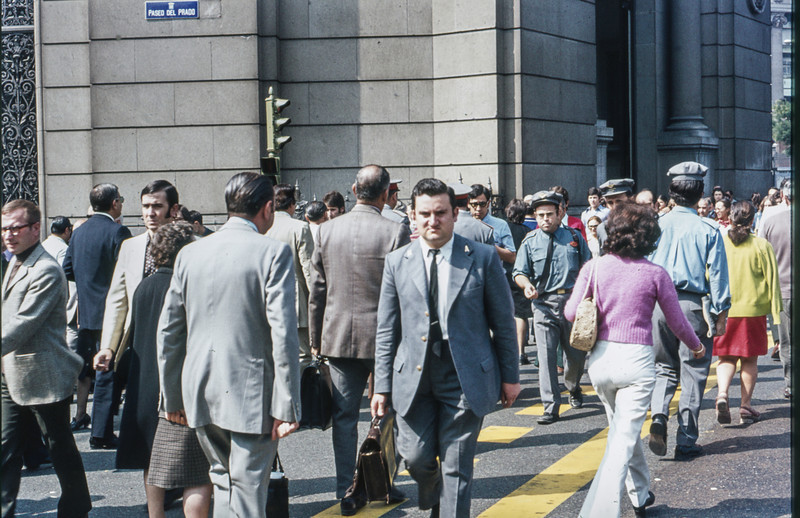 1972-09 Madrid scene - on the Paseo del Prado