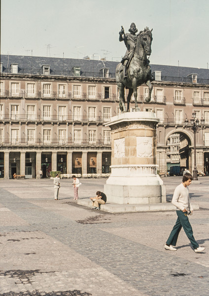 1972-09 Madrid's Plaza Mayor - 2