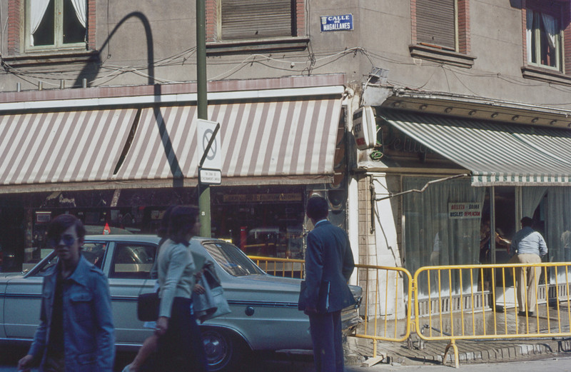 1972-09 Madrid scene on Magallanes street - close to our apartment - just 500 m north