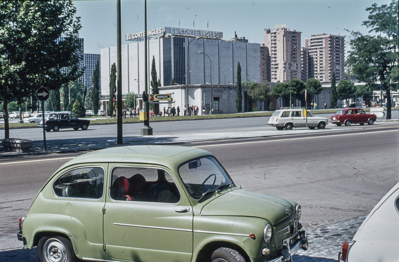1972-09 Madrid scene on the Paseo de la Castellana - Madrid