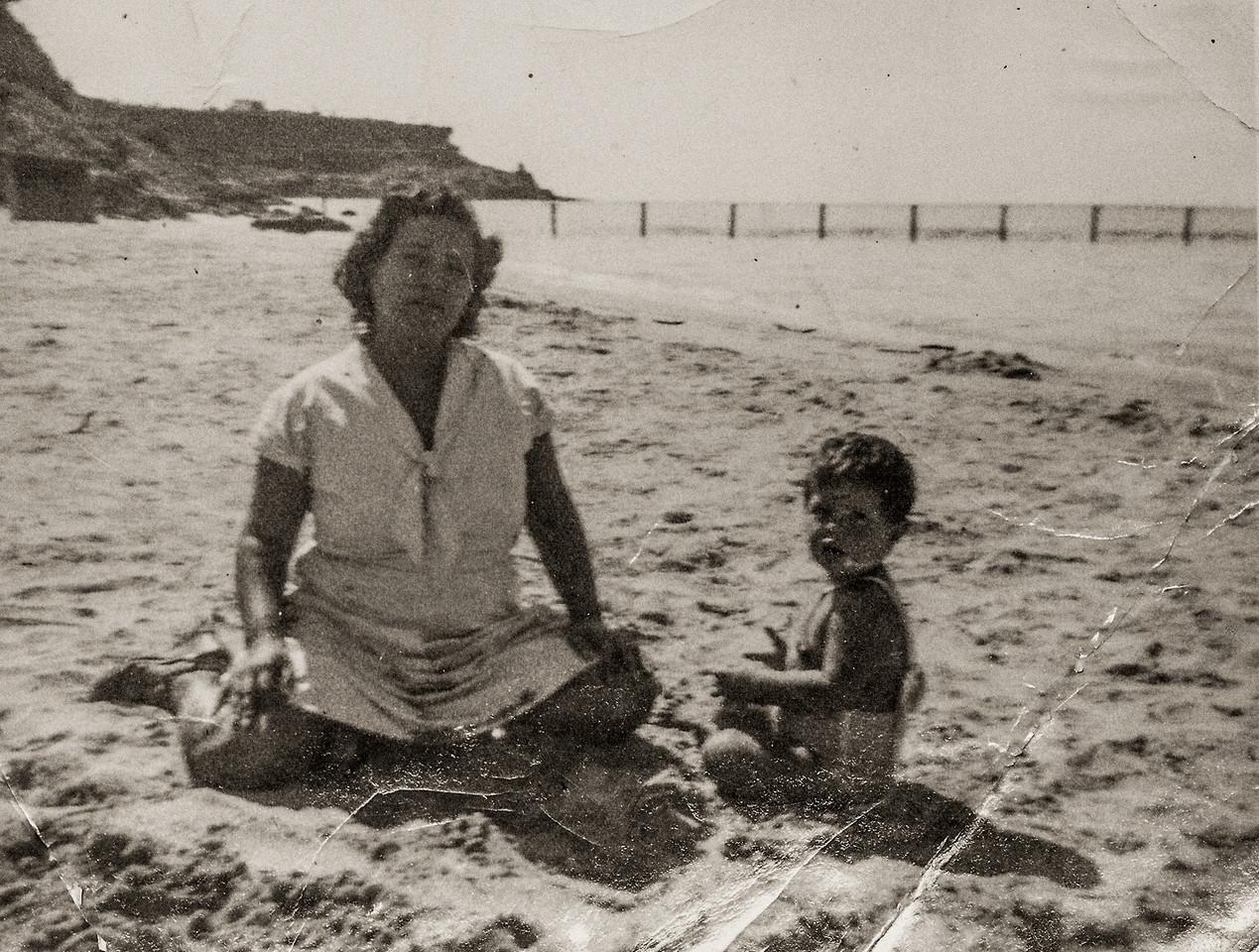 Sort ID: 1950-V03 Image ID: B004 (est) Year: 1950. Photo content: Mother, Fred. Location of photo: On beach, Cardon, Venezuela.
