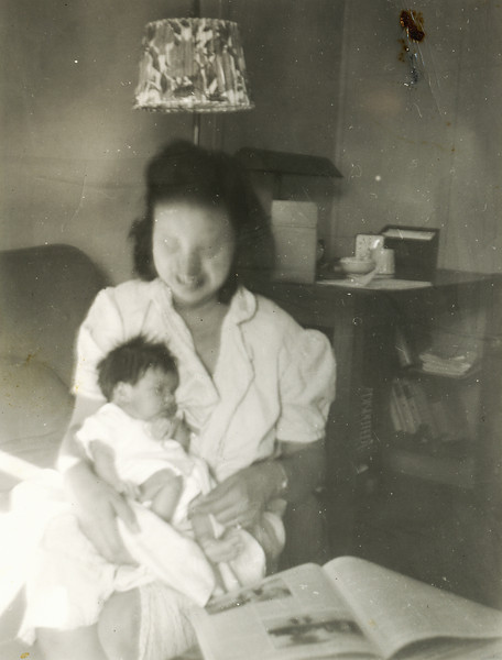 Sort ID: 1942-A03 Image ID: C214 (est) Year: 1942. Photo content: Margaret as a new baby and mother in Tiger, AZ.