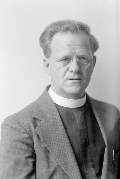 """1917 Father Lourdes F. Costa arrived in El Paso in 1912. He was a local parish priest of the Smeltertown Church of San Jose for twenty years, when the Pope summoned parishes in all parts of the world to build sacrosancts or material monuments. Father Costa envisioned a statue on top of the Sierra de Cristo Rey (formerly known as the Cerro de los Muleros, Mule Drivers Mountain), in Sunland Park, New Mexico. He turned in the direction of the conical peak outside of his window every morning. He always thought that such a location was a perfect setting for a monument to Christ the King, the Prince of Peace. <br /> First, a twelve foot high wooden cross was erected in 1933 and a couple of month later it was replaced by an iron cross. In 1939, a 29 ft. tall limestone statue of Christ by sculptor Urbici Soler was erected on top of Mount Cristo Rey. It can be seen from all three states and it serves as a shrine to thousands of faithful in the El Paso and Southern New Mexico area. Consequently, Father Costa had realized his dream to inspire the people who live at the crossroads of three states with a lasting symbol of hope and peace.   <a href=""""http://digie.org/media/1756"""">http://digie.org/media/1756</a>"""