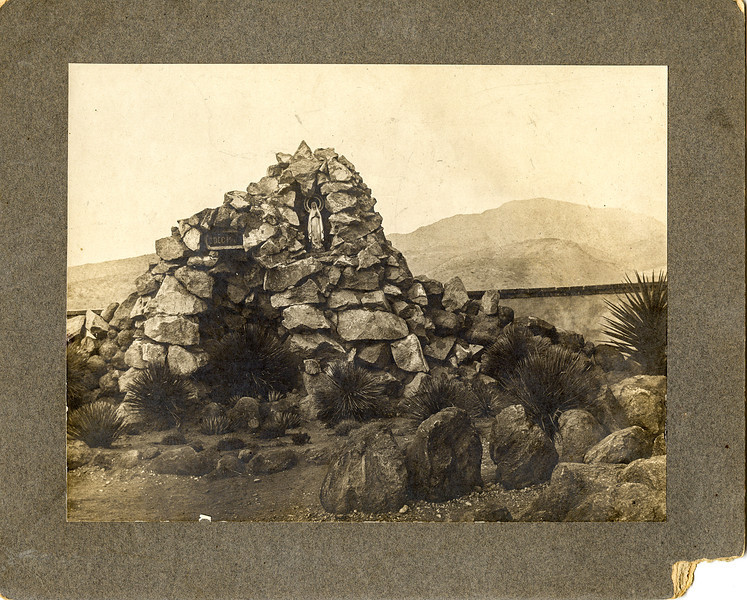 Sort ID: 1919-01 Image ID: D057 (est) Year: 1919. Photo content: Shrine between Cottonwood and Jerome. Location of photo: Arizona.