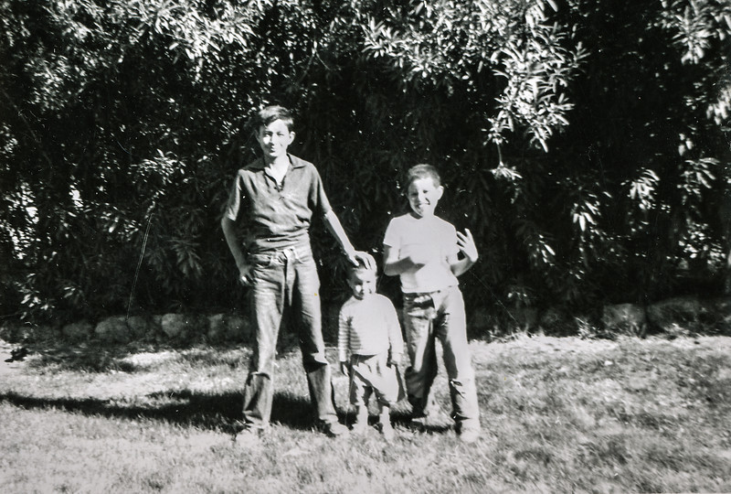 Sort ID: 1958-01 Image ID: C592 (est) Year: 1958. Edward, Michael, Fred in front of 1231 E Edison St, Tucson.