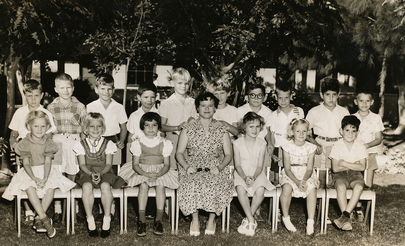 Sort ID: 1954-020 Image ID: C564 (est) Year: 1954. Lagunillas Elementary School - First Form - Miss Sheila Oatt and class. Fred stands in the second row, fourth from the left.