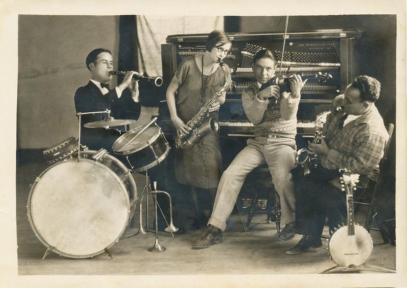 """Sort ID: 1932-01 Image ID: C553 (est) Year: (est) 1932. Dad with fellow """"Jolly Five"""" members. Hayden or Winkleman, AZ."""