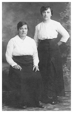 Katarzyna Lukaszewicz and her sister Tanta Maria