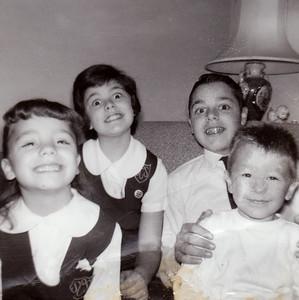 #28 4 Kids 1960