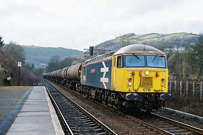 Class 56 No 56078 at Hebden Bridge on 19 March 2004 with the 6Z55 14:15 Ashton in Makerfield - Lindsey Oil Refinery (driver: Steve Titheridge)