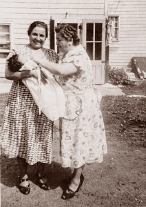 2 Nonnies & Regina