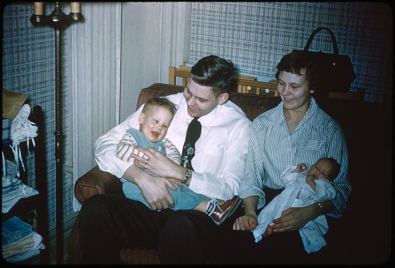 "2/20/1955 ""Vincent, Wendell, Jo Ann, Deborah"" 35mm Kodachrome slide Mount dated March 1981 (remounted?) Stamped #7"