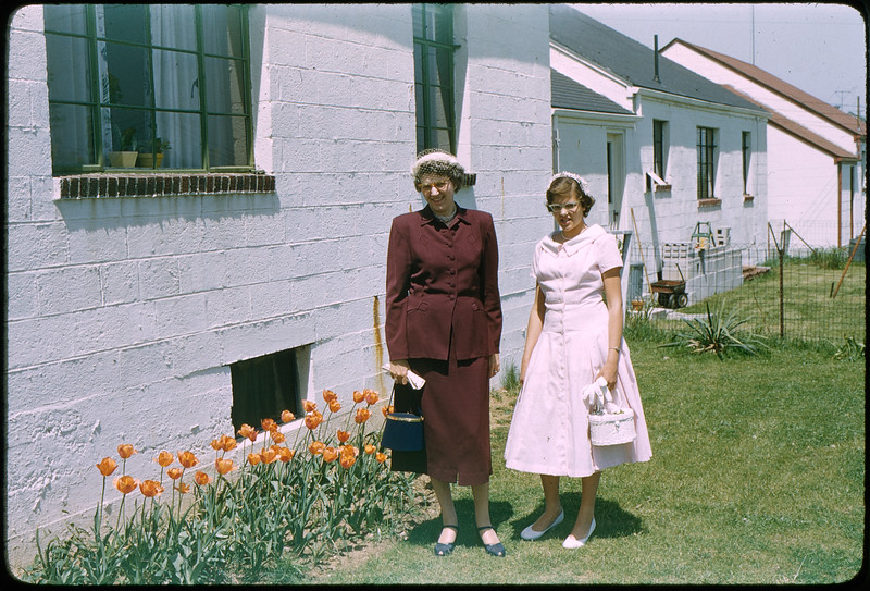 """5/8/1955 """"Grace, Karen"""" 35mm Kodachrome slide Mount dated March 1981 (remounted?) Stamped #4"""