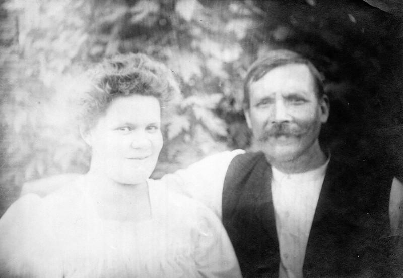 Emma Frandsen (Mohr) and her father, Emil Frandsen.