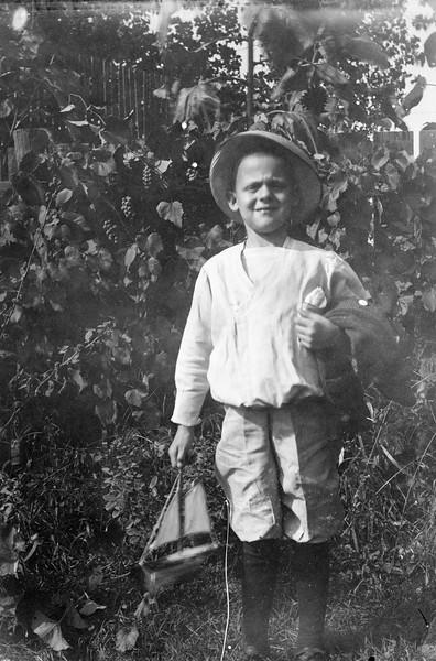 """""""Clifford Mohr ~1916"""""""