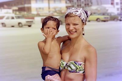 1976-9-12 #9 Dianna & Steve In Florida