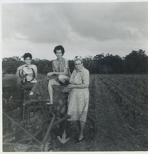 Billie, Ruth, Granny Mac