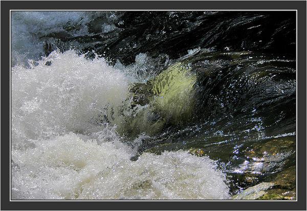 Splash!<br /> <br /> Riitta & Gilu in Switzerland, August 2004