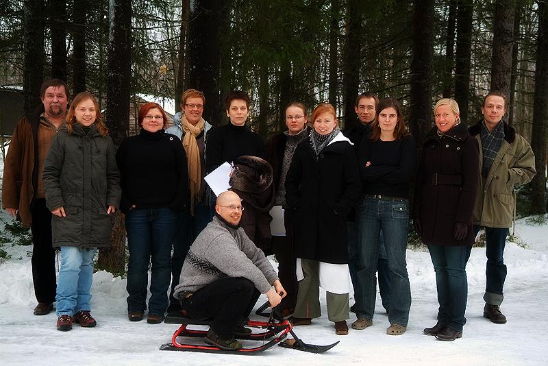 F.l.t.r.: Research Professor Harto Lindén, Raisa Tiilikainen, Marja Anttonen, Saija Koljonen, Pauliina Louhi, Milla Niemi, Saija Sirkiä, Lari Veneranta, Miina Kovanen, Meri Härmä, Petri Karppinen and Harri Norberg as STIGA champ.