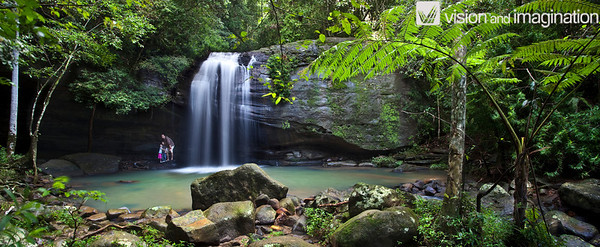 IMG_0406 Buderim Falls - Sunshine Coast (also available without people)