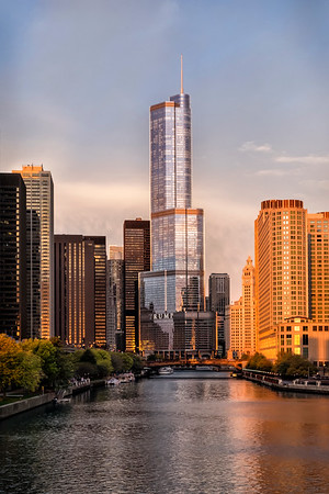 Early morning view from Lakeshore Drive - Chicago