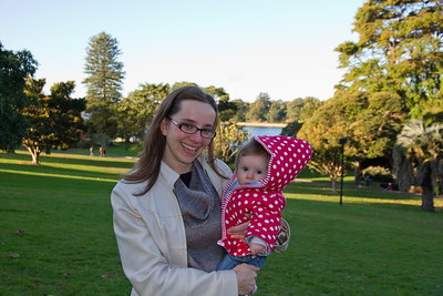 Scarlett and Emmy in the Royal Botanic Gardens