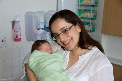 Margaret With Baby Scarlett in Hospital on the Morning She Went Home - Scarlett 3 Days Old