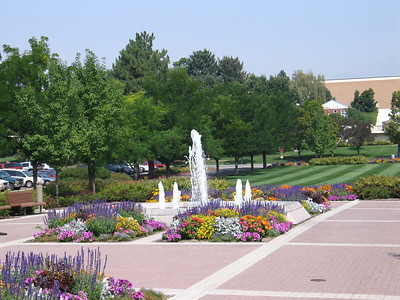 Beautiful_Flowers_at_BYU_1481.JPG