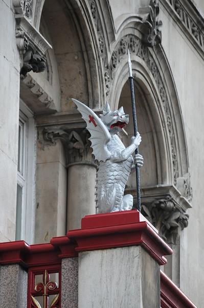 Dragon above Holborn Viaduct