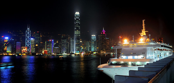 Harbour at night (Hong Kong)