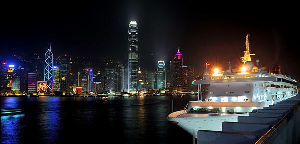 Harbour at night (Hong Kong)