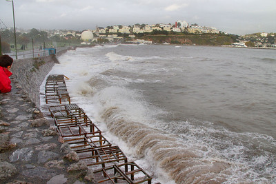 High Tide at Torquay 24/10/11  Watch the video at: http://youtu.be/qlw47ZR5Beo