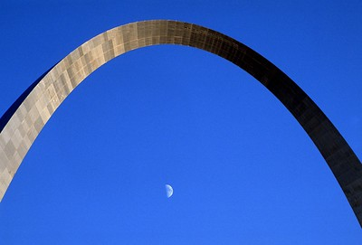 Moonrise through the St. Louis Arch
