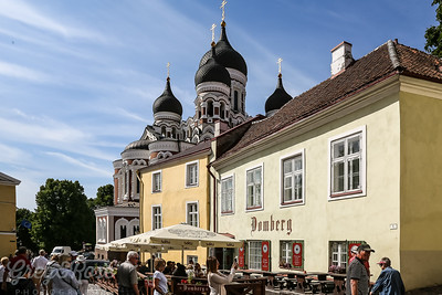 Old Tallinn and the cafe Culture