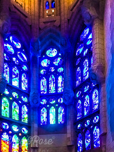 Inside it is light and Glass that dominates