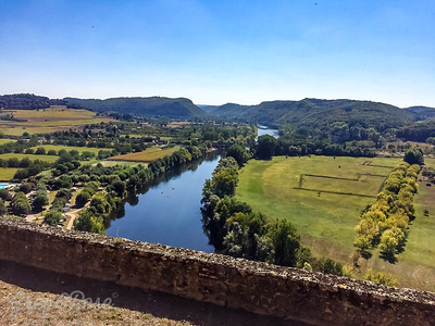 A hill top view over the Dordogne valley