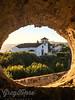 Mavao through the Hole in the Wall