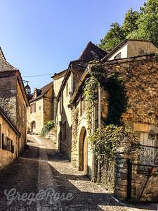 The road up to Richard the Lyon Hwarts Castle, Beynac-et Cazenac