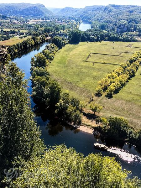 The wending Dordogne
